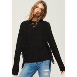 Sweter z frędzlami - Czarny. Czarne swetry klasyczne damskie Sinsay, l. Za 59,99 zł.