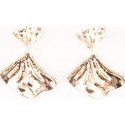 Kolczyki damskie: NA-KD Accessories Kolczyki w kształcie skręconych muszli – Gold