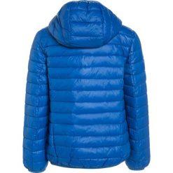 Benetton Kurtka zimowa blue. Niebieskie kurtki chłopięce zimowe marki Benetton, z materiału. W wyprzedaży za 135,20 zł.