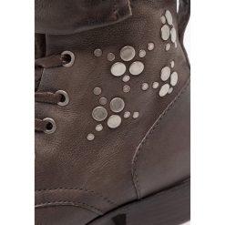 MJUS Śniegowce silice. Szare buty zimowe damskie MJUS, z materiału. W wyprzedaży za 344,50 zł.
