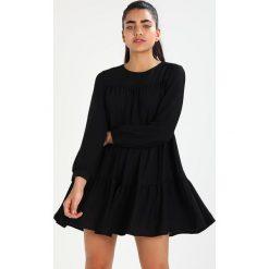 Sukienki hiszpanki: See u Soon BLACK LAYERED DRESS Sukienka letnia black