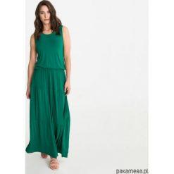 Sukienka BOHEMA długa zieleń butelkowa. Zielone długie sukienki marki Pakamera, z wiskozy, z długim rękawem. Za 279,00 zł.