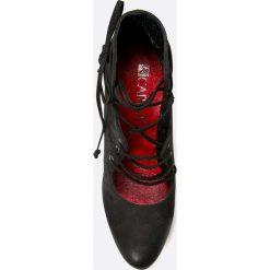 Carinii - Botki. Czarne buty zimowe damskie Carinii, z materiału, na obcasie, na sznurówki. W wyprzedaży za 139,90 zł.