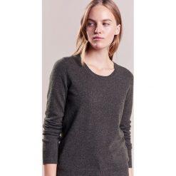 Swetry klasyczne damskie: Repeat CREW Sweter forest