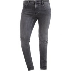 Cheap Monday Jeans Skinny Fit hey grey. Szare rurki męskie Cheap Monday. W wyprzedaży za 167,20 zł.