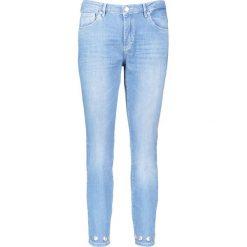 """Spodnie """"Antonia"""" - Skinny fit - w kolorze błękitnym. Rurki damskie Rosner, z aplikacjami. W wyprzedaży za 217,95 zł."""