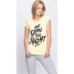 Bluzki, topy, tuniki: Żółty T-shirt Thinking Otherwise