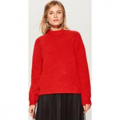 Sweter z wełną - Czerwony. Czerwone swetry klasyczne damskie Mohito, l, z wełny. Za 149,99 zł.