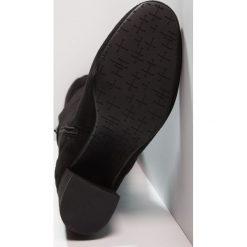 Even&Odd Muszkieterki black. Czarne buty zimowe damskie Even&Odd, z materiału. W wyprzedaży za 174,30 zł.