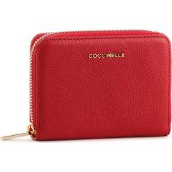 Duży Portfel Damski COCCINELLE - DW5 Mettalic Soft E2 DW5 11 02 01 Coquelicot R09. Czerwone portfele damskie Coccinelle, ze skóry. Za 449,90 zł.