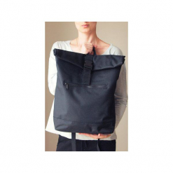 Czarny plecak kieszeń na laptopa. Czarne plecaki damskie One mug a day, z poliesteru. Za 129,00 zł.