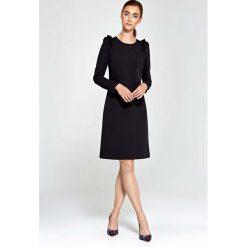 Czarna Sukienka Trapezowa z Falbankami na Ramionach. Fioletowe sukienki balowe marki Reserved, z falbankami. Za 149,90 zł.