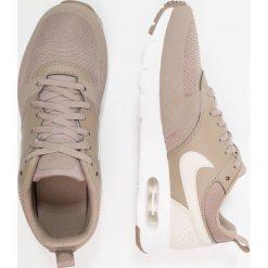 Nike Sportswear Tenisówki i Trampki sepia stone/desert sand/sepia. Zielone tenisówki męskie marki Nike Sportswear, z materiału. Za 379,00 zł.
