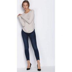 Swetry klasyczne damskie: Jasnobeżowy Sweter Mad