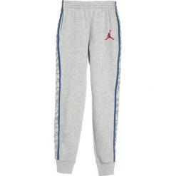 Jordan AJ 3 Pant Spodnie treningowe dark grey heather. Szare spodnie dresowe dziewczęce Jordan, z bawełny. W wyprzedaży za 134,25 zł.