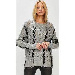 Medicine - Sweter Hand Made. Białe swetry klasyczne damskie MEDICINE, l, z dzianiny, z okrągłym kołnierzem. Za 139,90 zł.