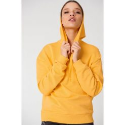 Bluzy damskie: NA-KD Basic Bluza z kapturem basic – Yellow