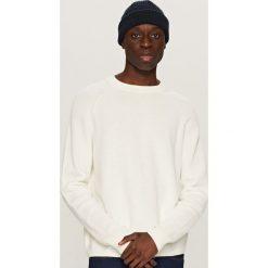 Swetry męskie: Sweter o strukturalnym splocie – Biały