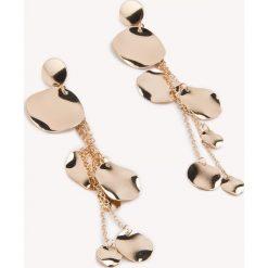 Kolczyki damskie: NA-KD Accessories Wiszące kolczyki w kształcie stopionych kół – Gold