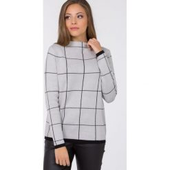 Swetry klasyczne damskie: Sweter w kratę