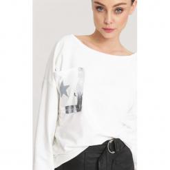 Biała Bluzka Angle Star. Białe bluzki damskie other, uniwersalny, retro, z długim rękawem. Za 69,99 zł.