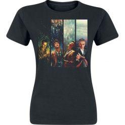 Doctor Who Alice X Zhang Four Doctors Koszulka damska czarny. Czarne bluzki asymetryczne Doctor Who, l, z nadrukiem, retro, z okrągłym kołnierzem. Za 74,90 zł.