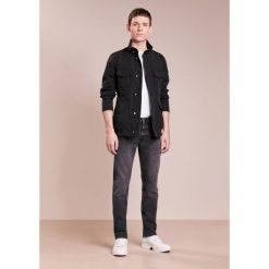 Peuterey METAL Kurtka wiosenna black. Szare kurtki męskie marki FOX, z bawełny. W wyprzedaży za 671,60 zł.