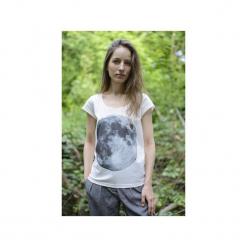 T-shirt full moon/ z organicznej bawełny. Białe t-shirty damskie Siss, l, z nadrukiem, z bawełny, z klasycznym kołnierzykiem. Za 150,00 zł.