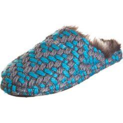 """Kapcie damskie: Kapcie """"Knitty Mule"""" w kolorze błękitno-szarym"""