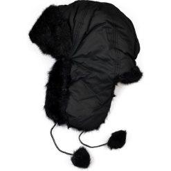 Czapka damska Uszanka Snow queen czarna. Białe czapki zimowe damskie Art of Polo. Za 37,60 zł.