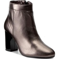 Botki GUESS - Dory FLDOR3 LEM09  GREY. Czarne botki damskie skórzane marki Guess. W wyprzedaży za 389,00 zł.