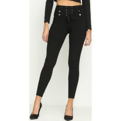 Spodnie damskie: Czarne Legginsy Laced