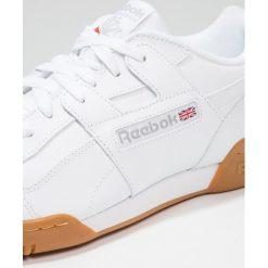 Reebok Classic WORKOUT PLUS Tenisówki i Trampki white/carbon/red/roya. Białe tenisówki męskie marki Reebok Classic. Za 379,00 zł.