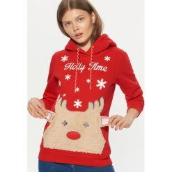 Świąteczna bluza z kapturem - Czerwony. Czerwone bluzy z kapturem damskie marki Cropp, l. Za 119,99 zł.