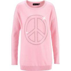 Swetry klasyczne damskie: Długi sweter z aplikacją w kształcie pacyfki ze sztrasów bonprix pudrowy jasnoróżowy