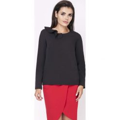 Odzież damska: Czarna Elegancka Bluzka Wizytowa z Falbanką przy Dekolcie