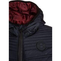 Redskins BANG Kurtka zimowa navy. Niebieskie kurtki chłopięce zimowe marki Redskins, z materiału. W wyprzedaży za 255,20 zł.