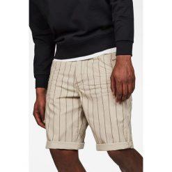 G-Star Raw - Szorty. Szare szorty męskie marki G-Star RAW, z bawełny, casualowe. W wyprzedaży za 299,90 zł.