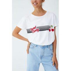 Koszulka z rysunkiem wiśni. Szare t-shirty damskie Pull&Bear. Za 24,90 zł.