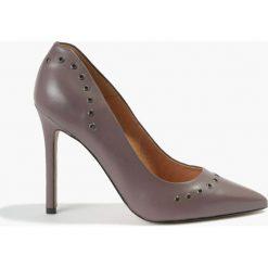 Czółenka fioletowe Donna. Fioletowe buty ślubne damskie Badura. Za 319,99 zł.