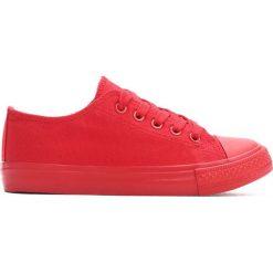 Czerwone Trampki Scholastic Trip. Czerwone buty sportowe dziewczęce marki Born2be, z materiału, z okrągłym noskiem, na zamek. Za 24,99 zł.