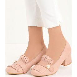 Różowe Czółenka Silas. Czerwone buty ślubne damskie Born2be, w paski, ze skóry, na niskim obcasie, na słupku. Za 59,99 zł.