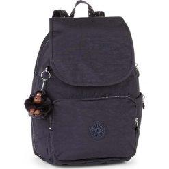 """Plecak """"Cayenne"""" w kolorze fioletowym - 27 x 37 x 19,5 cm. Fioletowe plecaki męskie Kipling, z tkaniny. W wyprzedaży za 239,95 zł."""