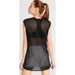 Nike Performance Koszulka sportowa black/white. Czarne t-shirty damskie Nike Performance, m, z elastanu. W wyprzedaży za 146,30 zł.