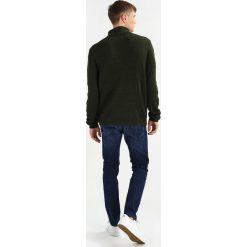 Swetry klasyczne męskie: YOURTURN Sweter dark green