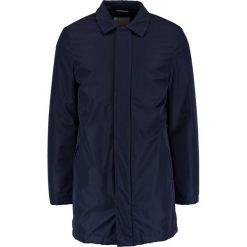 Knowledge Cotton Apparel RIB STOP FUNCTIONAL Krótki płaszcz total eclipse. Niebieskie płaszcze na zamek męskie Knowledge Cotton Apparel, m, z materiału. W wyprzedaży za 504,50 zł.