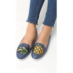 Granatowe Mokasyny Pineapple. Niebieskie mokasyny damskie marki Born2be, z materiału. Za 49,99 zł.