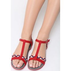 Czerwone Sandały Moonbeam. Czerwone sandały damskie Born2be, z materiału, na obcasie. Za 89,99 zł.