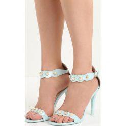 Niebieskie Sandały Gratitude. Niebieskie sandały damskie Born2be, w paski, na wysokim obcasie, na szpilce. Za 49,99 zł.