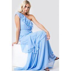 Trendyol Sukienka maxi na jedno ramię - Blue. Szare długie sukienki marki Trendyol, na co dzień, z elastanu, casualowe, dopasowane. Za 283,95 zł.